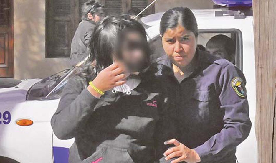 Cobró 3000 pesos para que un hombre abusara de su hija