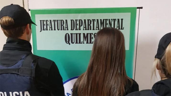 Horror en Berazategui: detienen a madre que se sacaba selfies mientras abusaba de su hijo